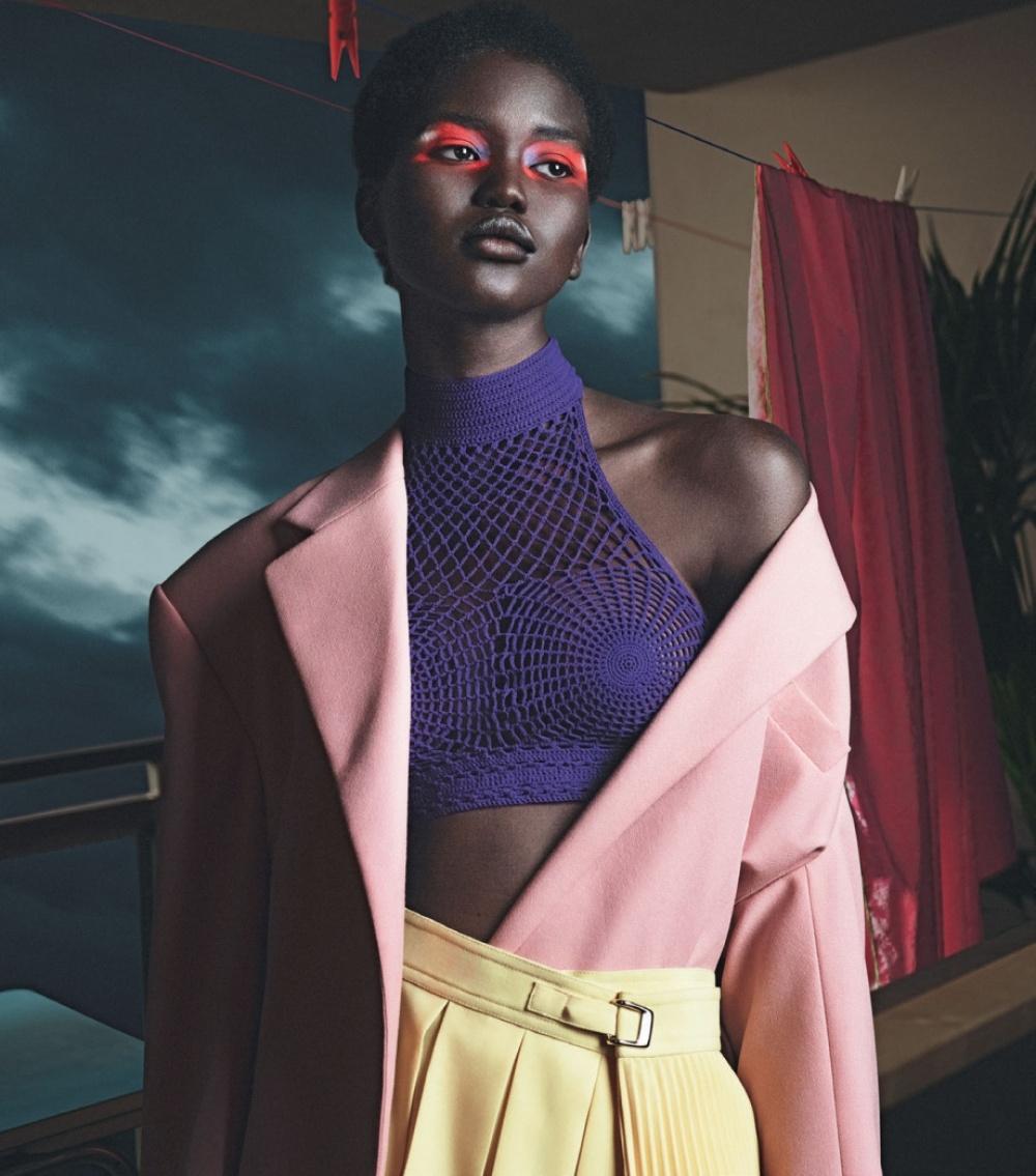 Vogue杂志意大利版2018年四月刊时尚大片摄影师Mert Alas和Marcus Piggott掌镜