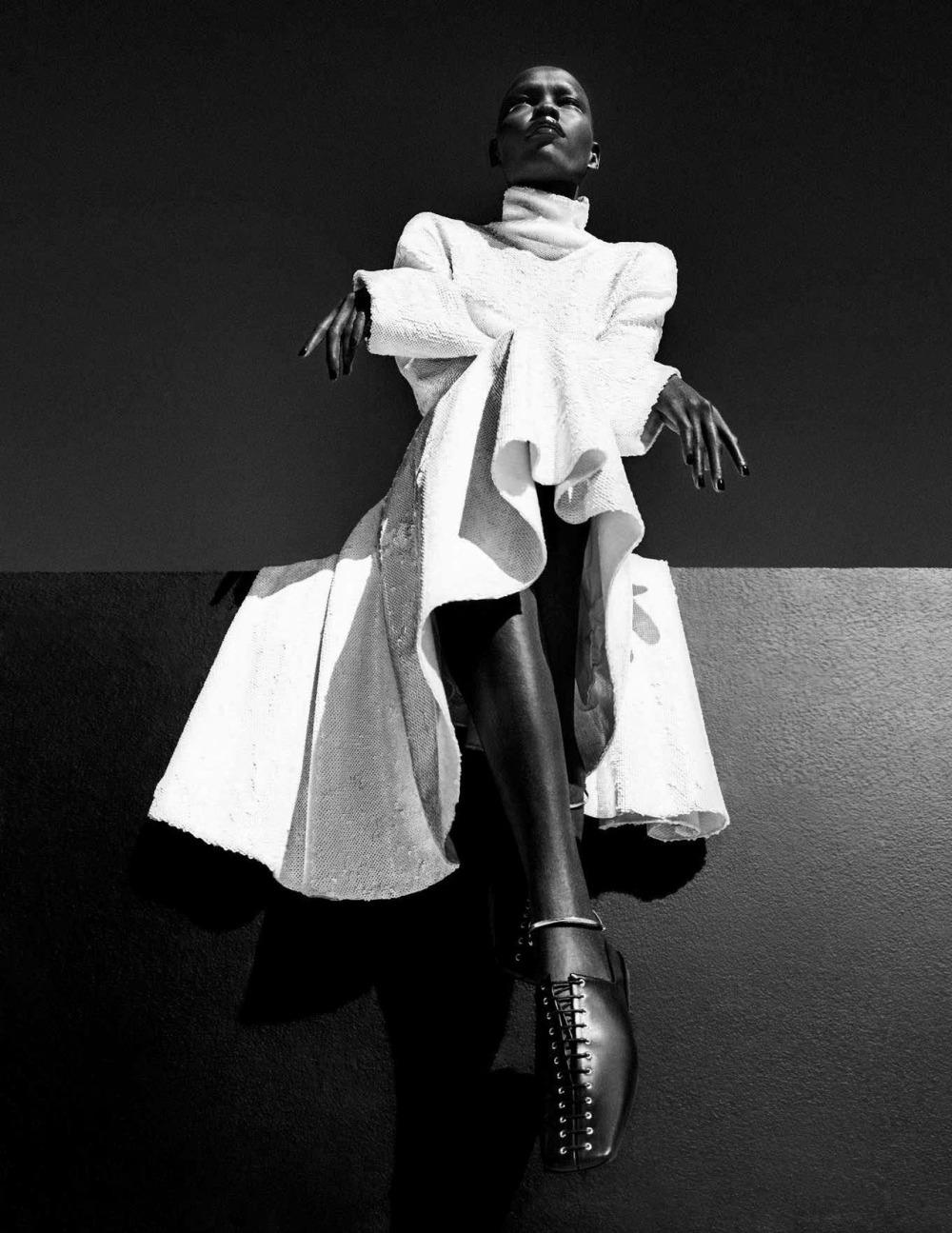 Vogue时尚杂志德国版2018年五月刊摄影师Giampaolo Sgura时尚杂志大片:天然美女